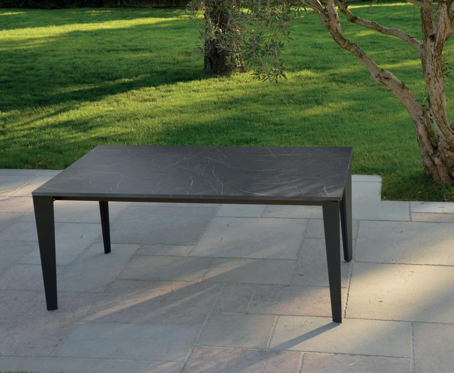 Tavolo in legno effetto marmo e metallo 160X90 cm – 260X90 cm
