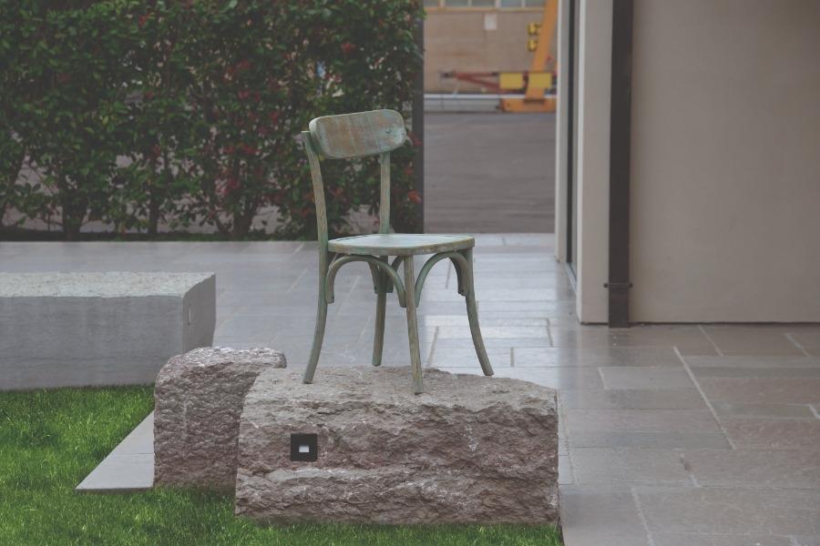 sedia verde consumato