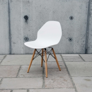 sedia bianca 905