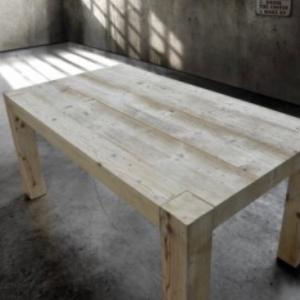 Tavolo in legno vecchio  Art 787